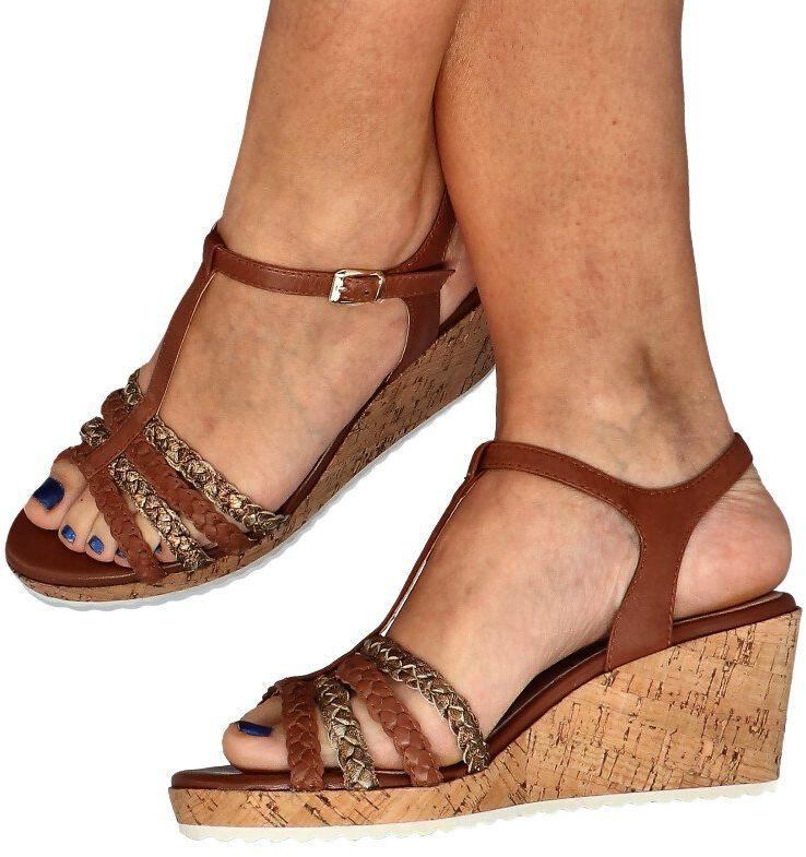 CAPRICE 9-28704-24 BRĄZOWE - Sandały ze skóry na koturnie