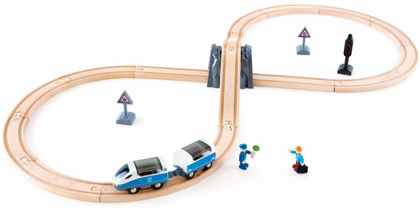 Hape E3729 drewniany zestaw pociągu pasażerskiego - figurka 8 lat