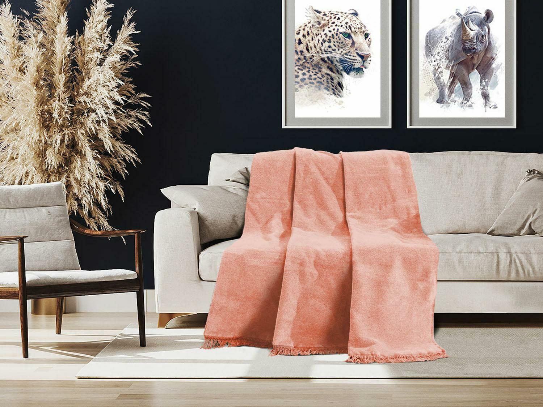 Koc bawełniany akrylowy 150x200 B333 różowy jednobarwny z frędzlami narzuta na łóżko 450g/m2