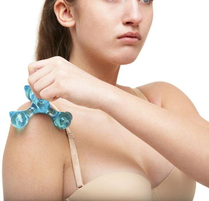 Wieloramienny masażer polimerowy z możliwością dopasowania intensywności masażu - poręczny kształt, cztery różne głowice do stymulacji całego ciała (F