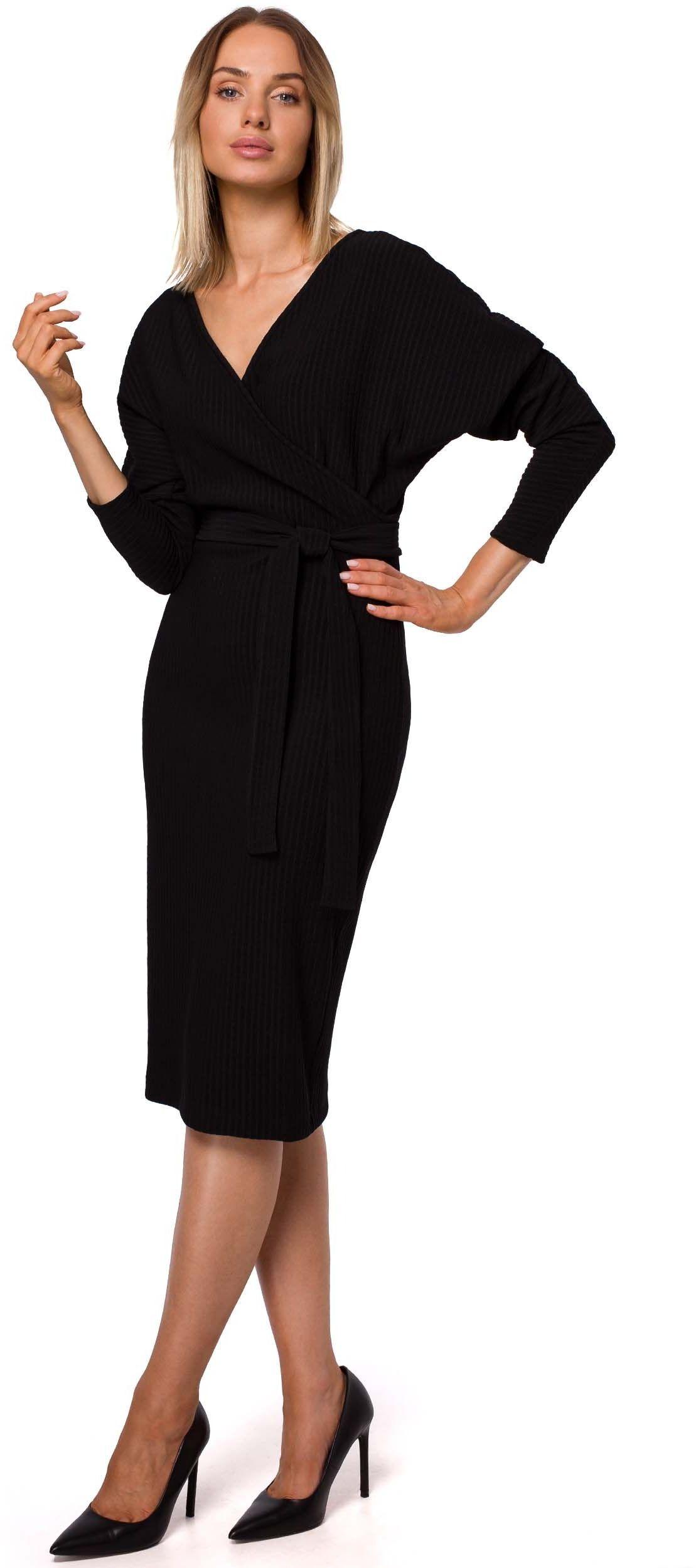 Czarna dzianinowa prążkowana sukienka o kopertowym dekolcie