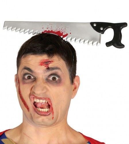 Opaska na Halloween, Piła przecinająca głowę