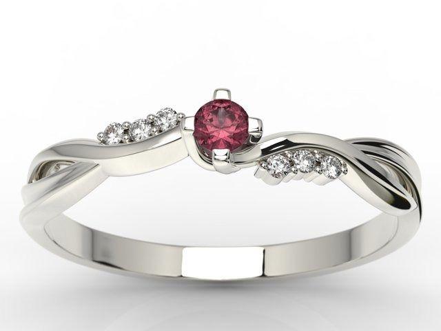 Pierścionek zaręczynowy z białego złota z rubinem i diamentami 0,03 ct wzór ap-7009b