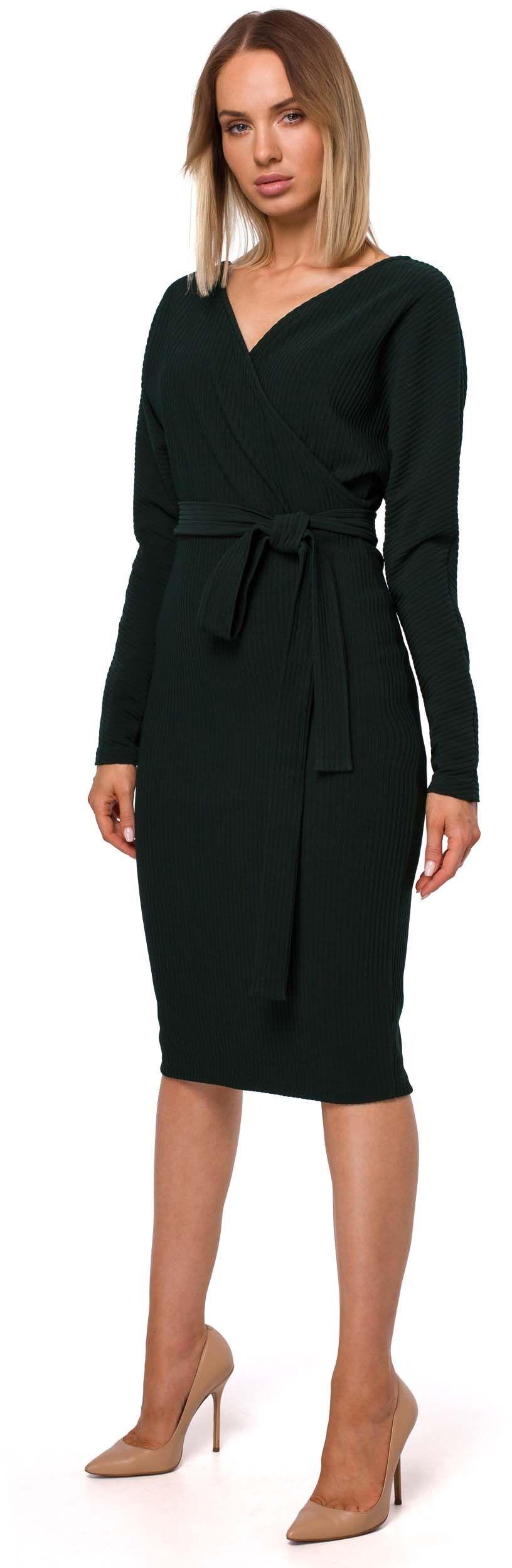 Dzianinowa prążkowana sukienka o kopertowym dekolcie - zielona