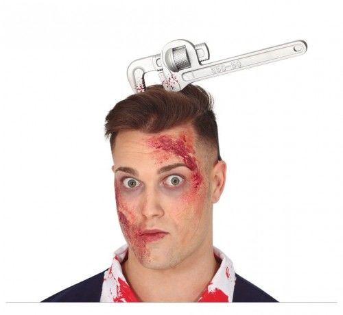 Opaska na Halloween, klucz francuski w głowie