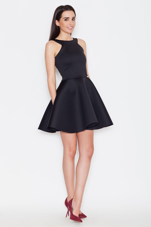 Czarna romantyczna sukienka bez rękawów z szerokim dołem