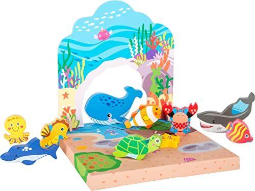 Small Foot 10533 zestaw do montażu, w tym drewniane zwierzęta z morza i drzew, podwodny świat składający się z płaskiego tła z uroczymi motywami i dnem morskim