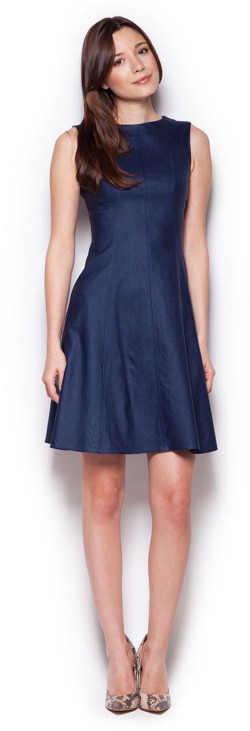 Granatowa skromna rozkloszowana sukienka bez rękawów