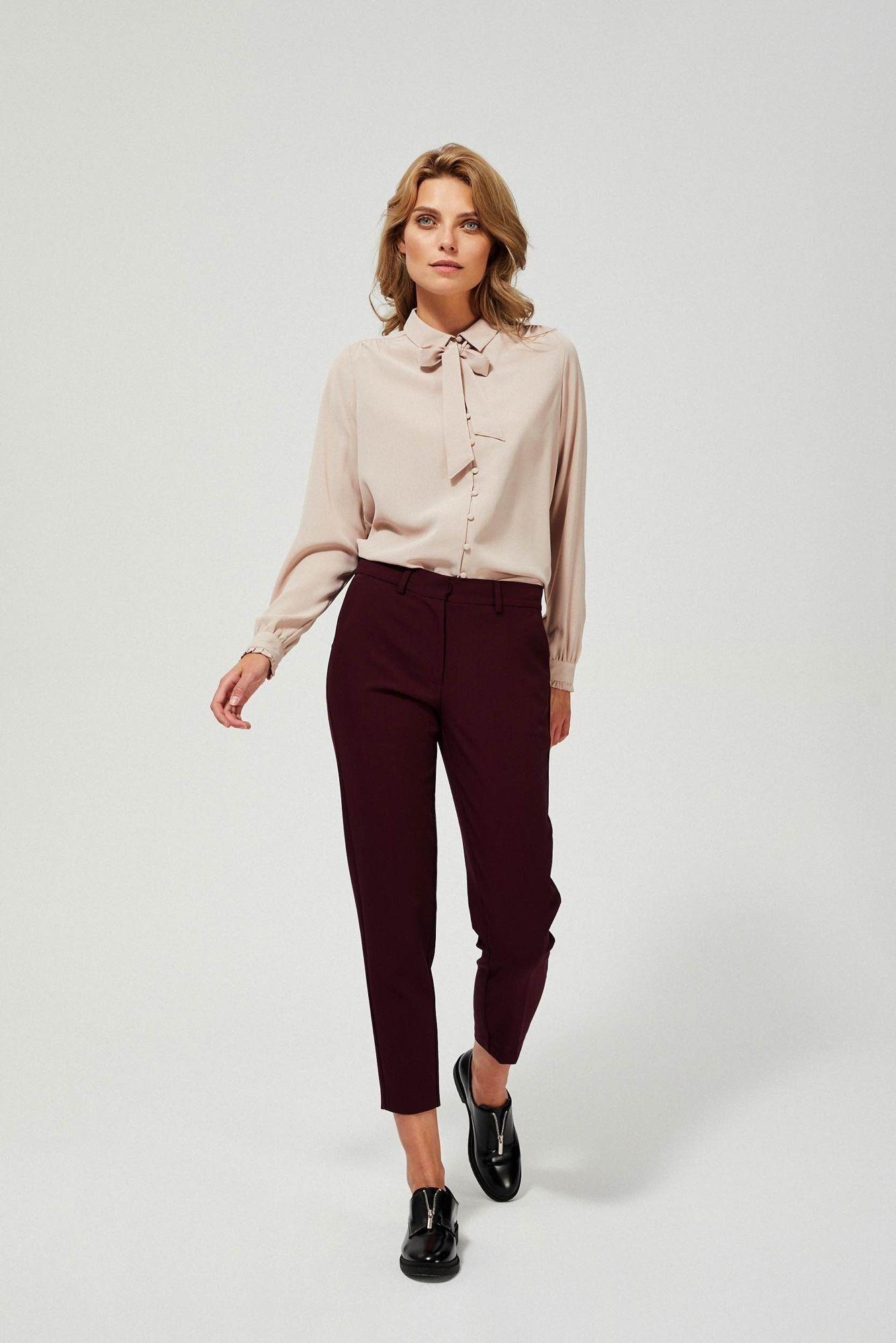 Spodnie cygaretki w kant kolor burgundowy