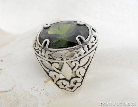 Srebrny pierścień, sygnet z oliwinem leon