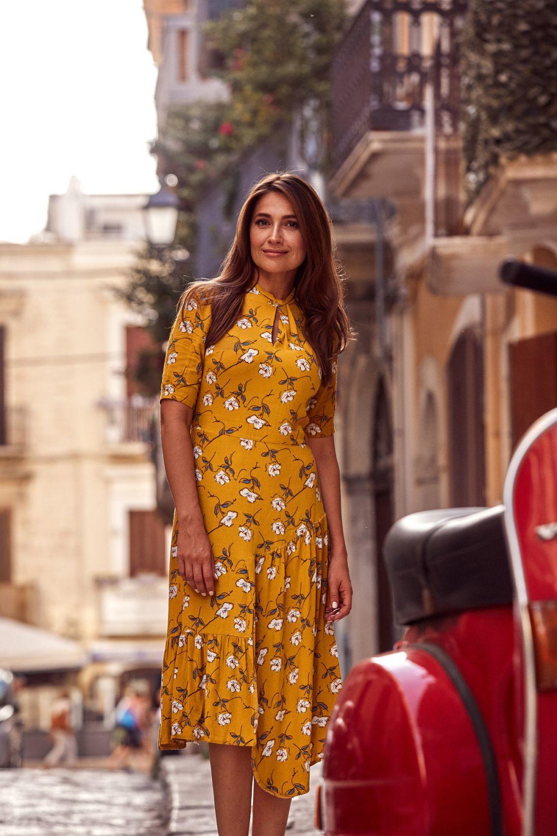 S177 Sukienka midi w kwiaty - model 1