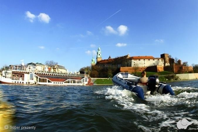 Wycieczka łodzią motorową po Wiśle Kraków