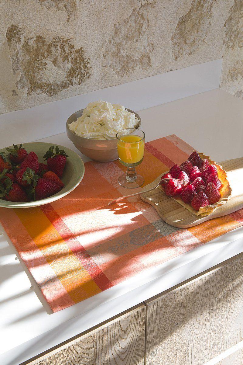 Podkładka żakardowa na stół powlekana Le Jacquard Fran ais Marie Galante Mango