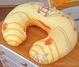 """MAMO-TATO Poduszka do karmienia """"ROGAL"""" Przyjaciele w pomarańczu"""