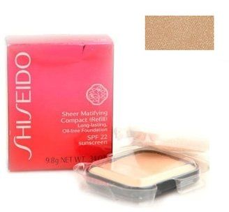 Shiseido Sheer Matifying Compact (Refill) Long-lasting, Oil-free Foundation B100 Very Deep Beige Podkład matujący w kompakcie (wklad) - 9,8g Do każdego zamówienia upominek gratis.
