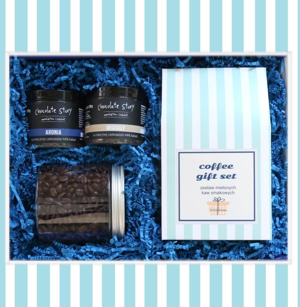 Zestaw prezentowy na wyjątkową okazję GRANATOWY GiftBox. Zestaw 10 kaw mielonych 10x10g o różnych smakach, kawa ziarnista Creme brulee 200g, aronia i migdały w czekoladzie