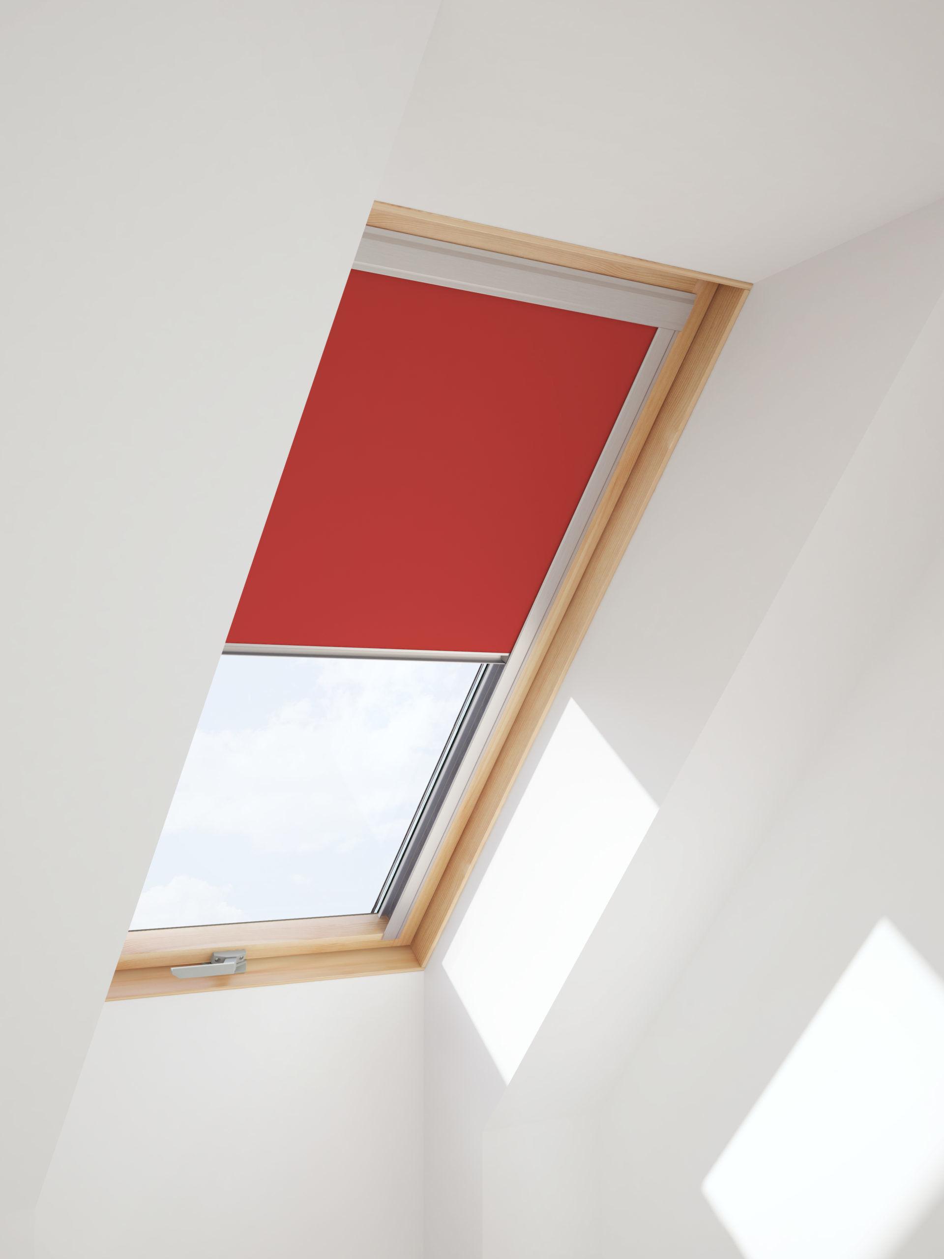 ROLETA ZACIEMNIAJĄCA ROOFART DUR - kolor 4213 (czerwony) - 55x78 C2A