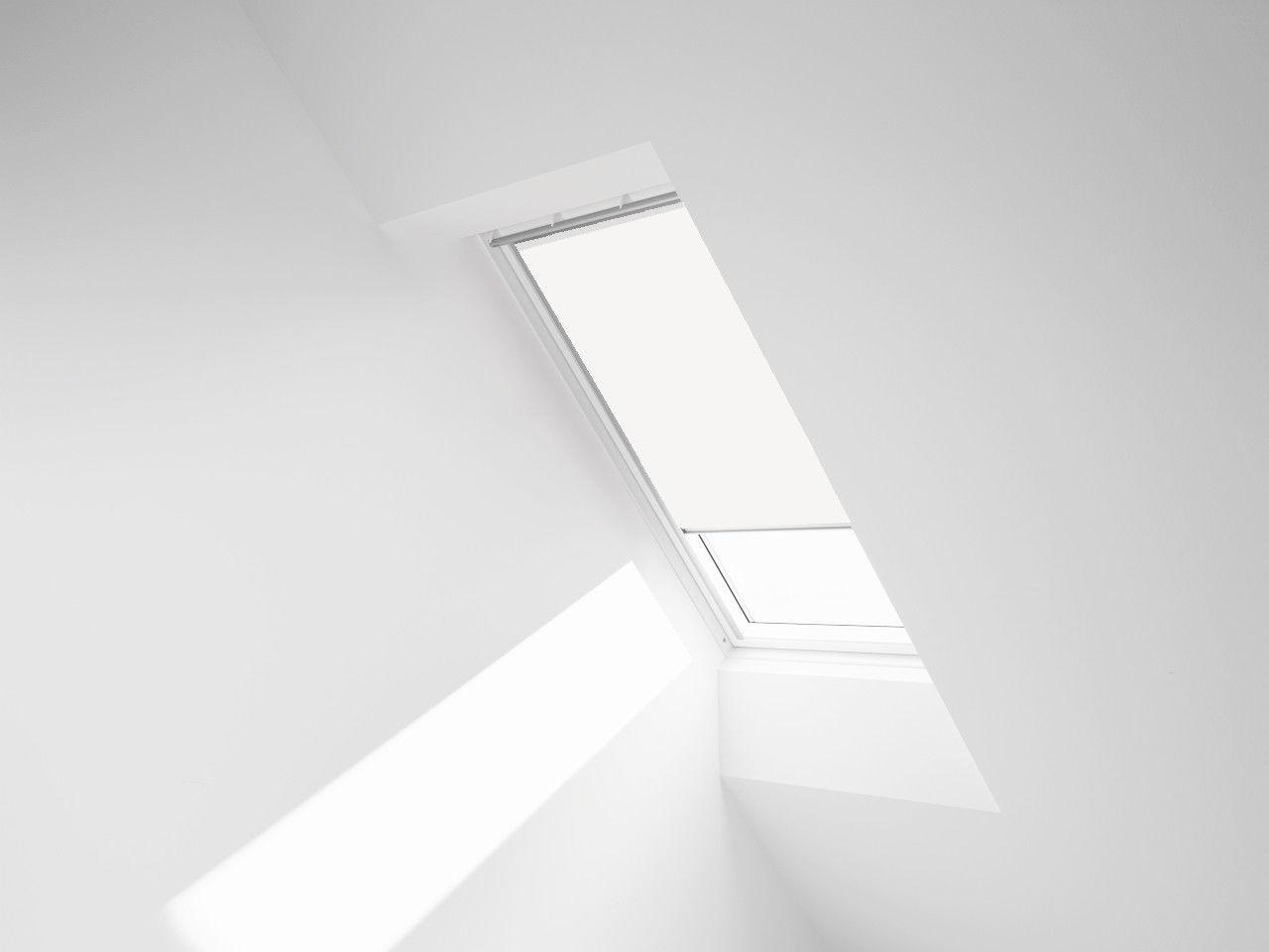 ROLETA ZACIEMNIAJĄCA ROOFART DUR - kolor 4208 (biały) - 66x118 F6A