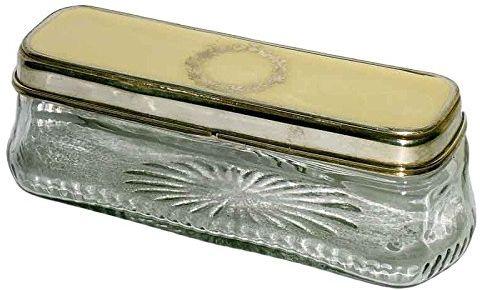 Better & Best 0225183  prostokątne pudełko ze szkła, niskie, z rysunkiem korony firmy Laurel w białej pokrywie i srebrze.
