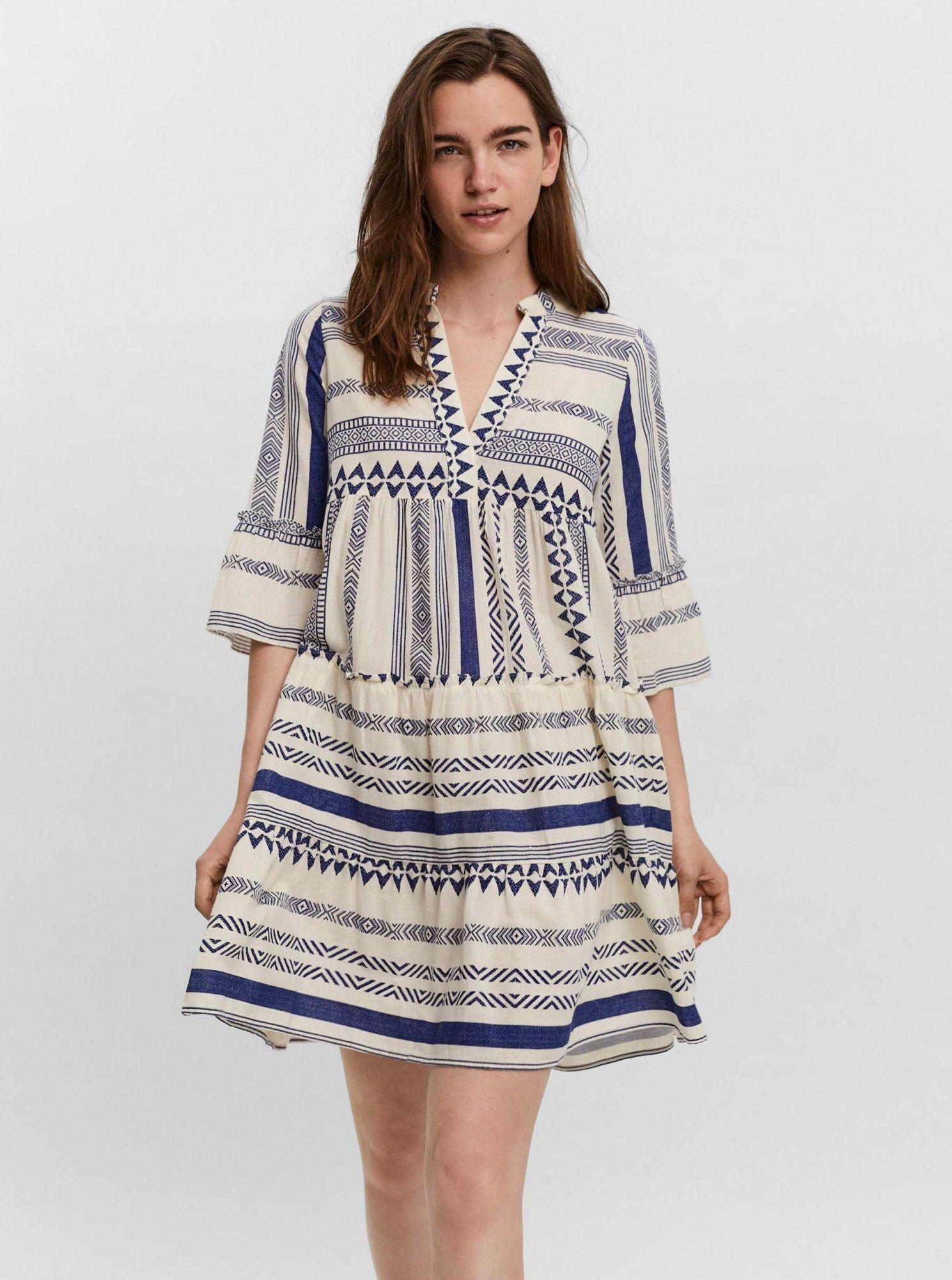 Vero Moda écru/kremowy luźna sukienka Dicthe ze wzorami
