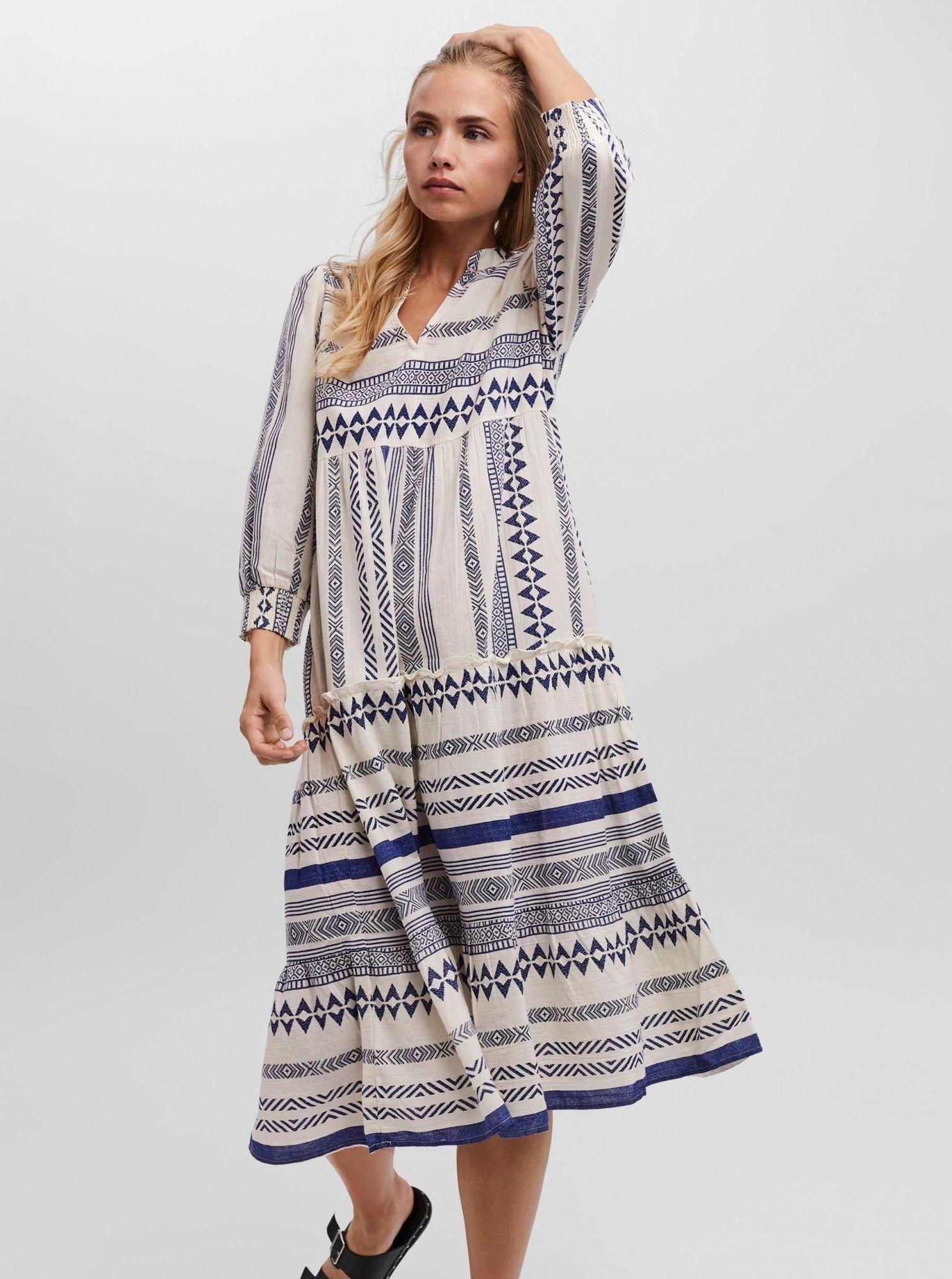 Vero Moda écru/kremowy midi sukienka Ditche ze wzorami