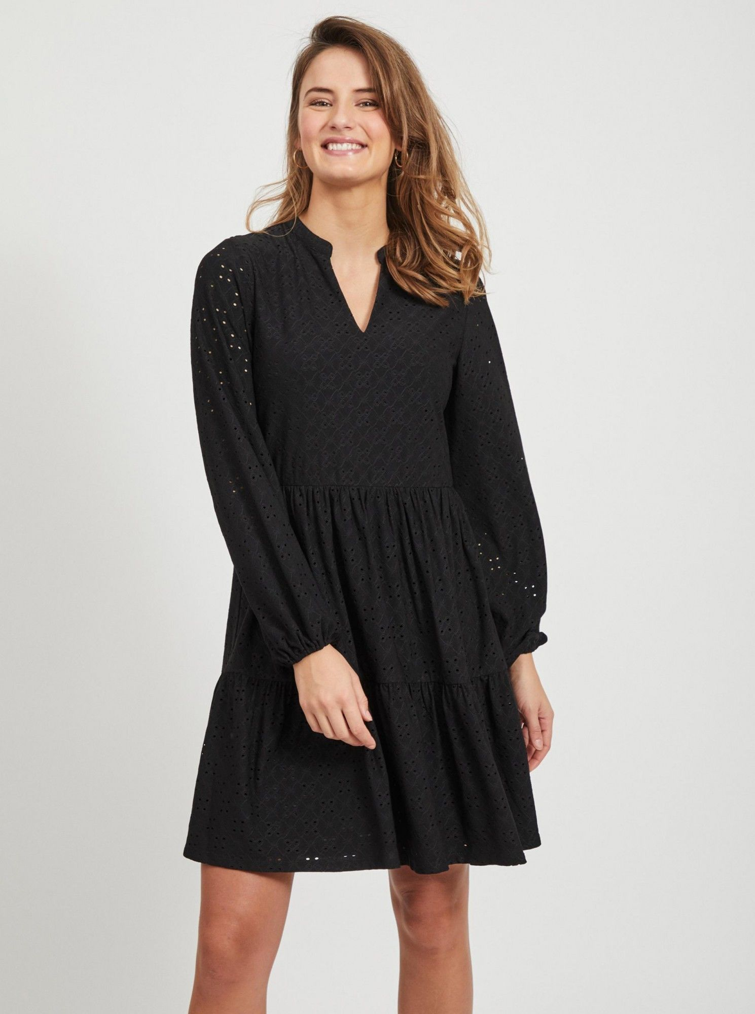 Vila czarna sukienka Kawa z madeirą