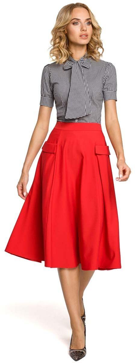 Czerwona spódnica rozkloszowana midi z patkami przy kieszeniach