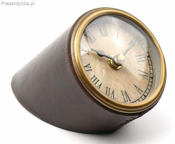 Zegar na biurko w oprawie skórzanej