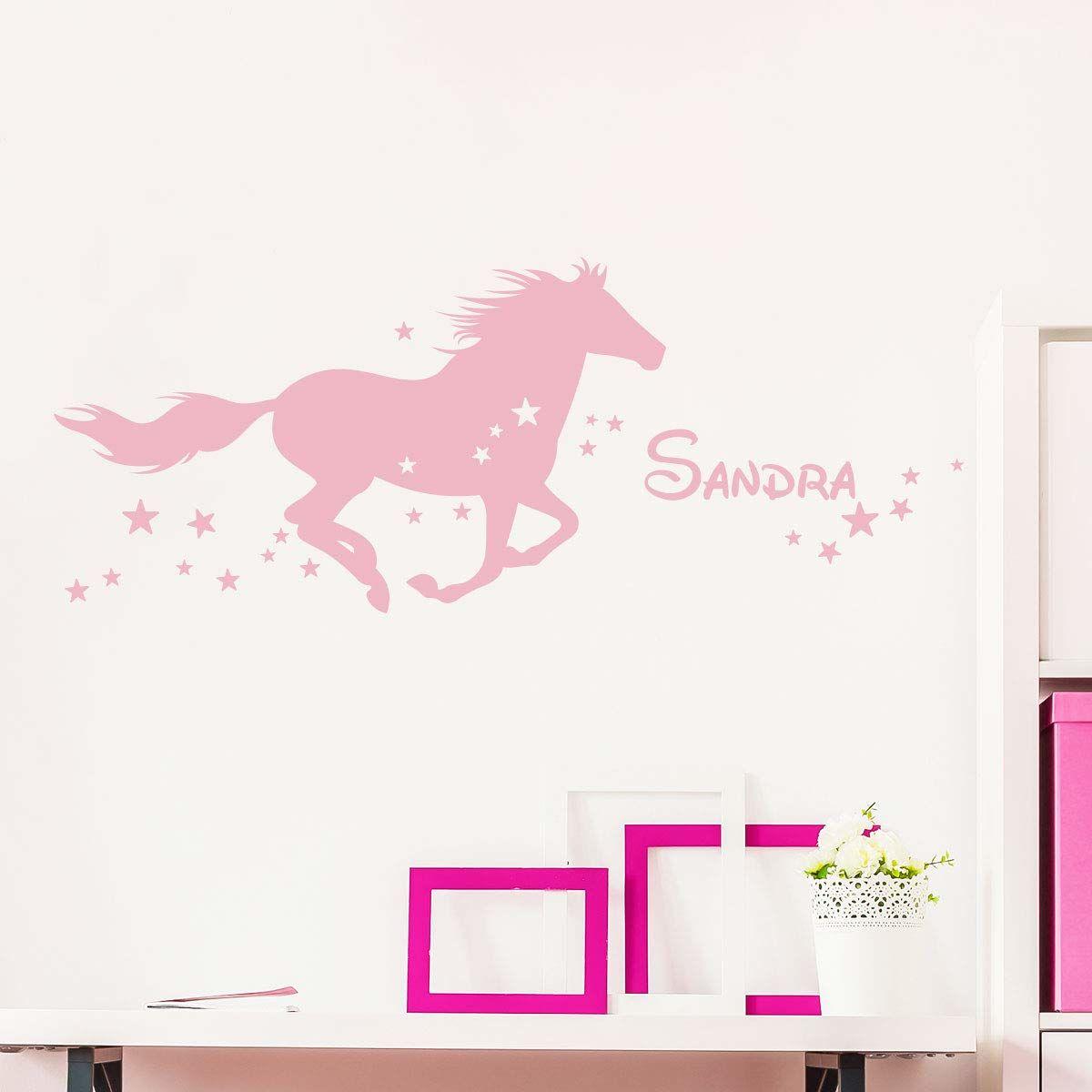 Naklejka z imieniem Konik wróżki dekoracja ścienna do pokoju dziecięcego 2 arkusze o wymiarach 25 x 45 cm i 40 x 25 cm  kolor różowy