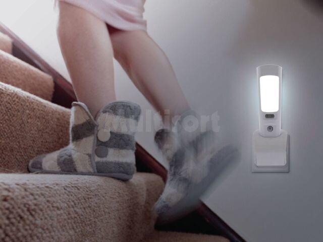 Lampa-latarka LED oświetlenia awaryjnego z czujnikiem ruchu