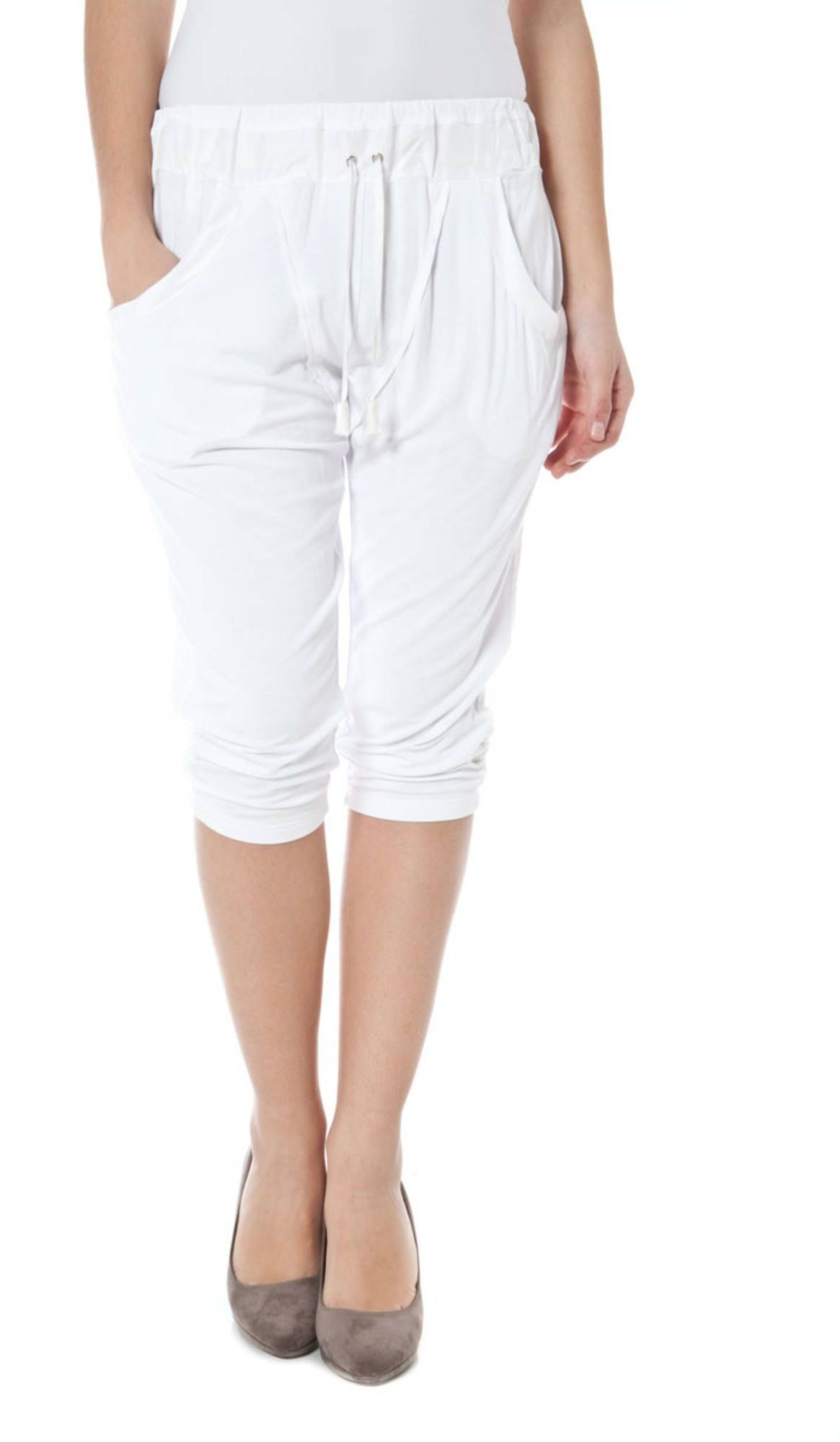 ZUELEMENTS Capri trousers Women