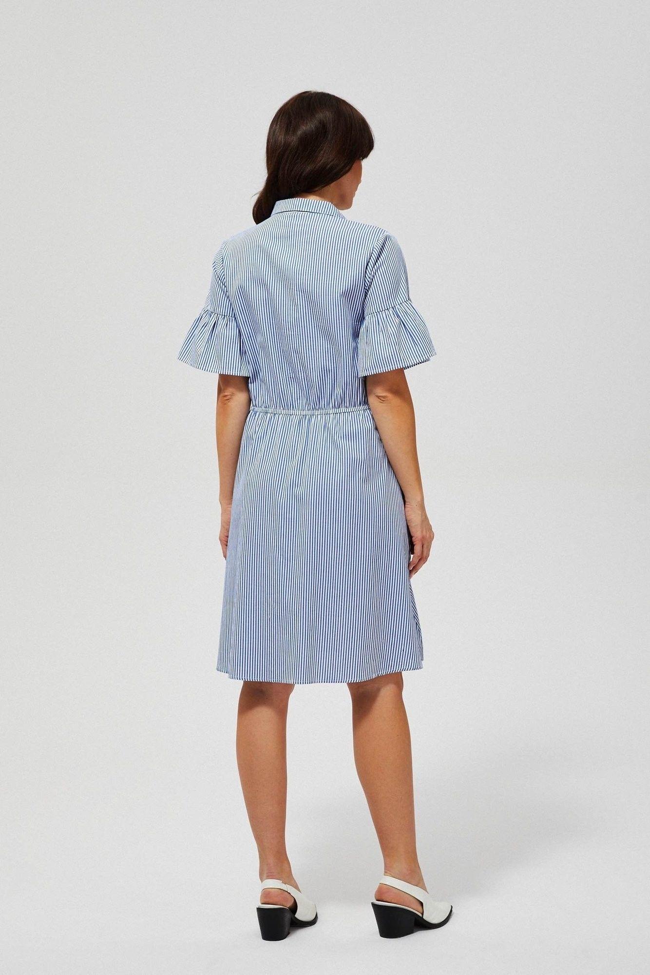 Sukienka w paski z falbaną przy rękawie
