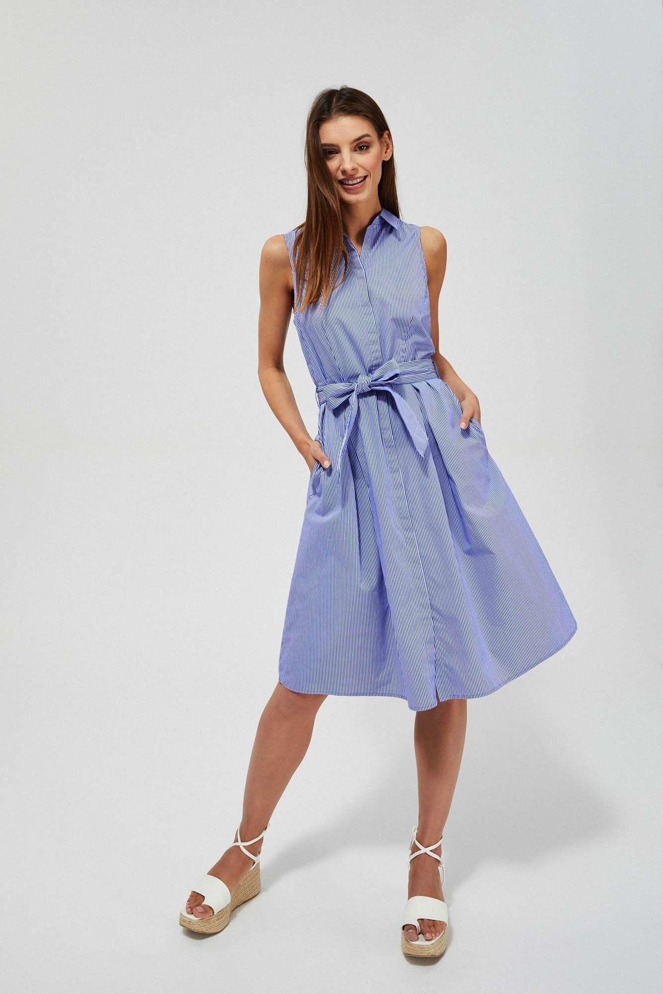 Sukienka w paski z wiązaniem