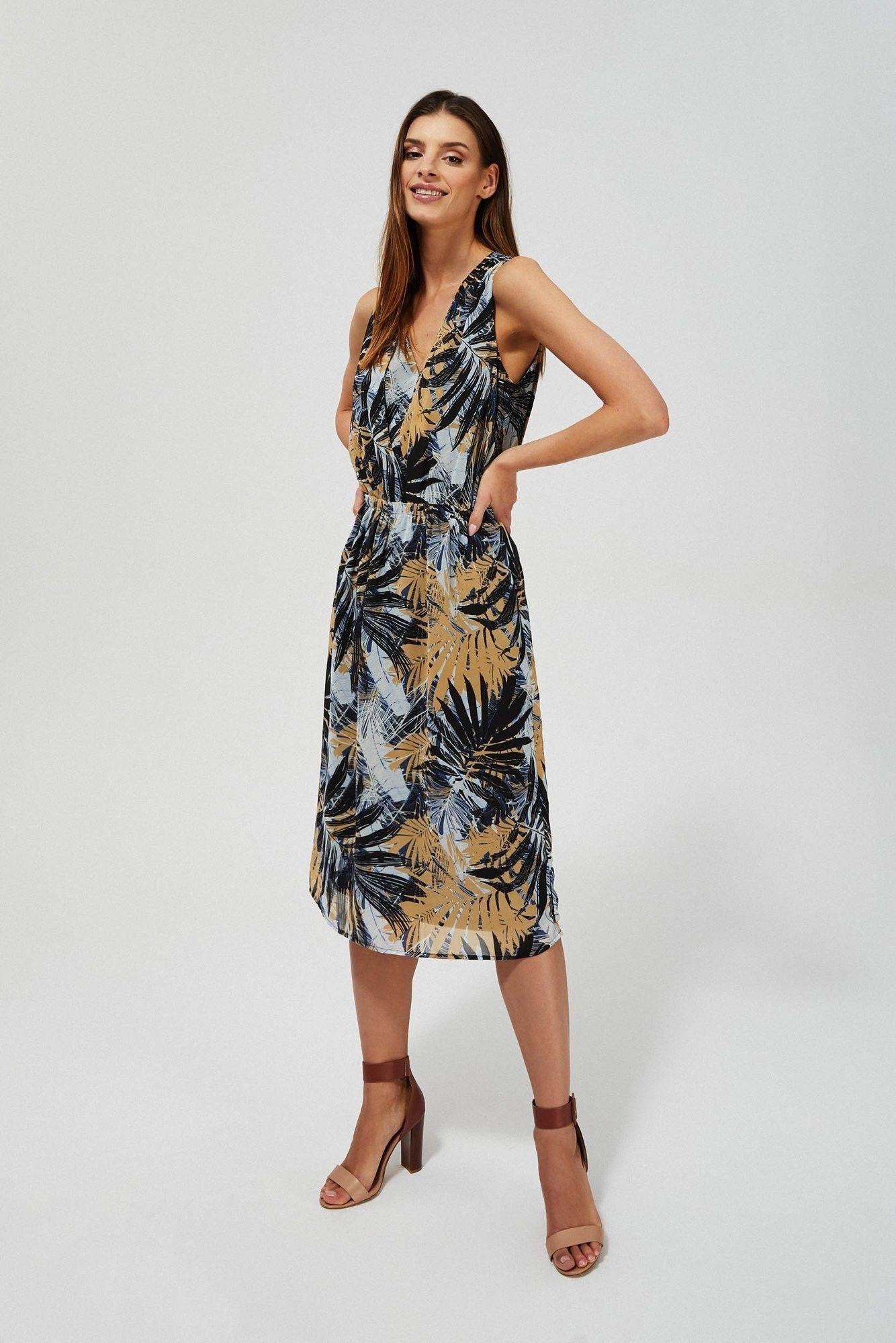 Sukienka z nadrukiem liści