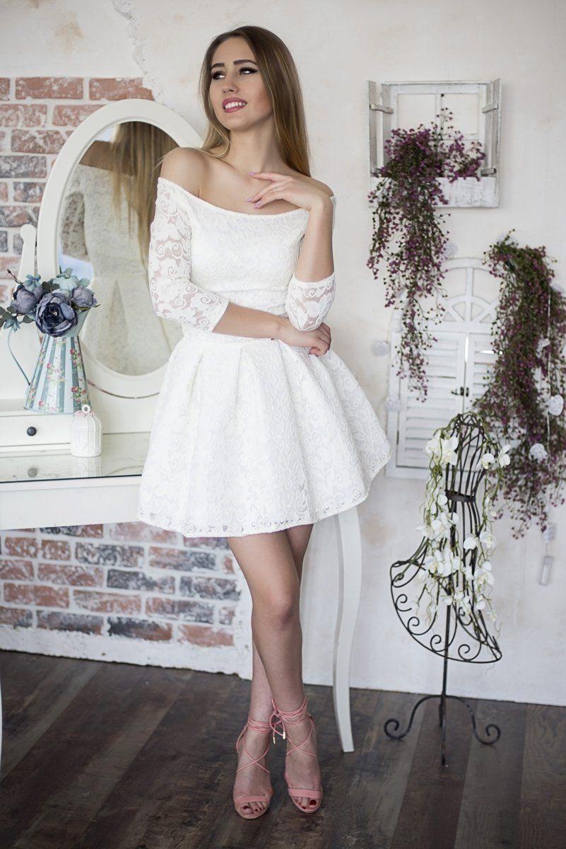 Koronkowa sukienka koktajlowa mini - EKRI