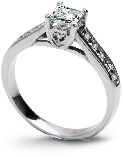 Ekskluzywny pierścionek zaręczynowy z białego złota pr.0,585 1 diament, szlif princessa, masa 0,36 ct., barwa h, czystość vs1
