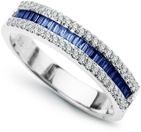Staviori pierścionek. 30 diamentów, szlif brylantowy, masa 0,18 ct., barwa g, czystość si1. 14 szafirów, masa 0,50 ct.. białe złoto 0,750. szerokość obrączki ok. 3,9 mm.