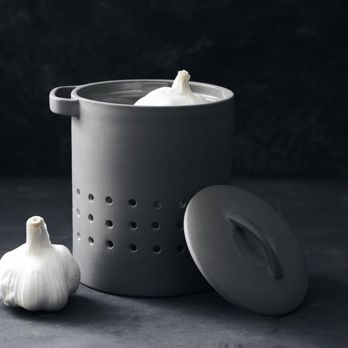 Porcelanowy Pojemnik Na Czosnek Lub Cebulę