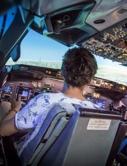 Lot zapoznawczy w symulatorze lotu  Poznań
