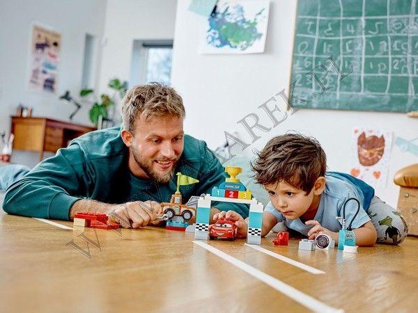 LEGO DUPLO Auta - Zygzak McQueen na wyścigach 10924