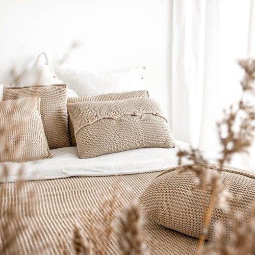 Poduszka z guzikami beżowa