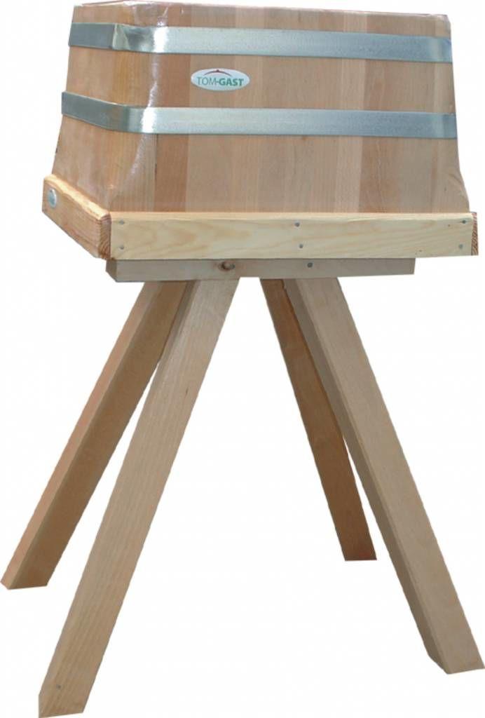 Tradycyjny kloc masarski na drewnianej podstawie