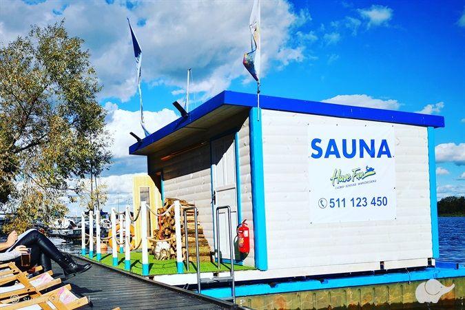 Seans z saunamistrzem w pływającej saunie nad Zegrzem