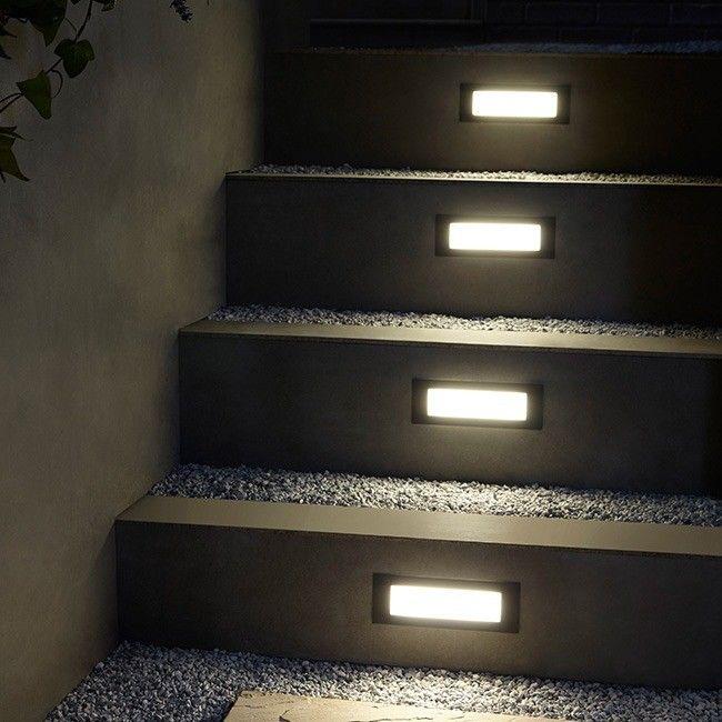 Lampa ogrodowa LED Blooma Neihart 200 lm 4000 K czarna