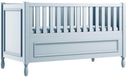 Błękitne eleganckie łóżeczko dziecięce z ozdobnymi nóżkami i frezowaną ramką