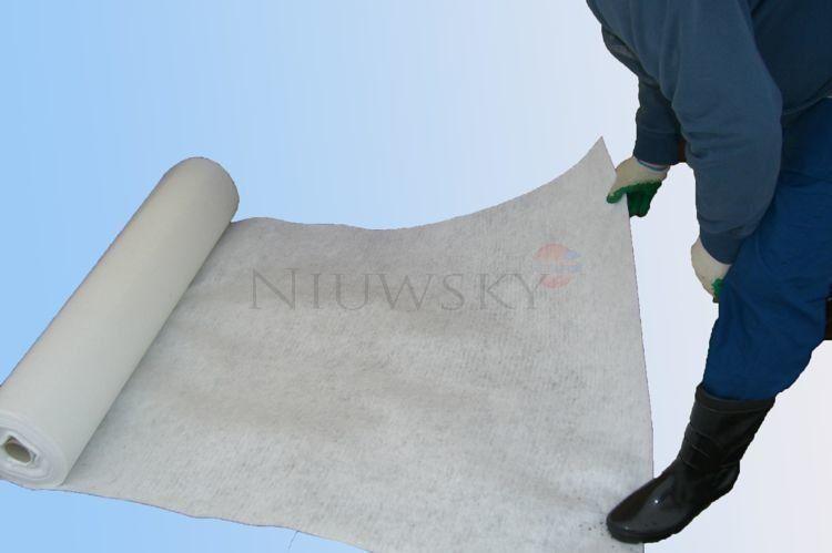 Geowłóknina poliestrowa 150 g/m2 rolki 1,0m x 50m (50m2) / BWK150