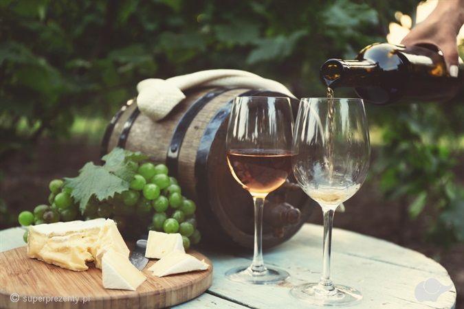Zwiedzanie winnicy z degustacją i butelką wina w okolicach Wrocławia