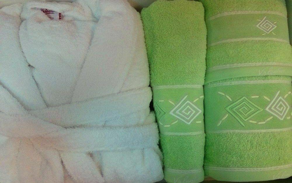 Szlafrok Valentini Biały rozmiar XL plus kpl ręczników 3 szt. Zielony