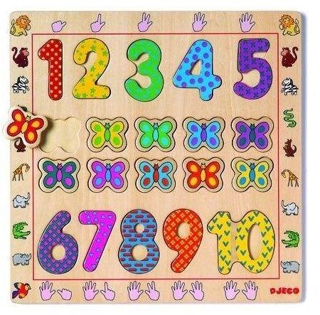 Drewniane cyfry i motyle na planszy - układanka