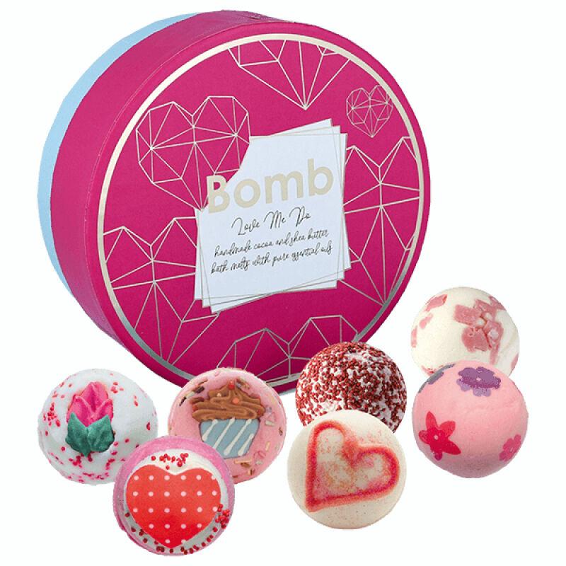 Bomb Cosmetics - Love Me Do - Gift Pack - Zestaw upominkowy z naturalnymi kosmetykami do kąpieli